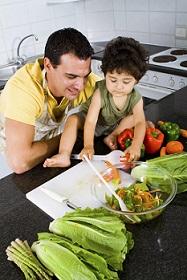 táta dítě zeleninasmall